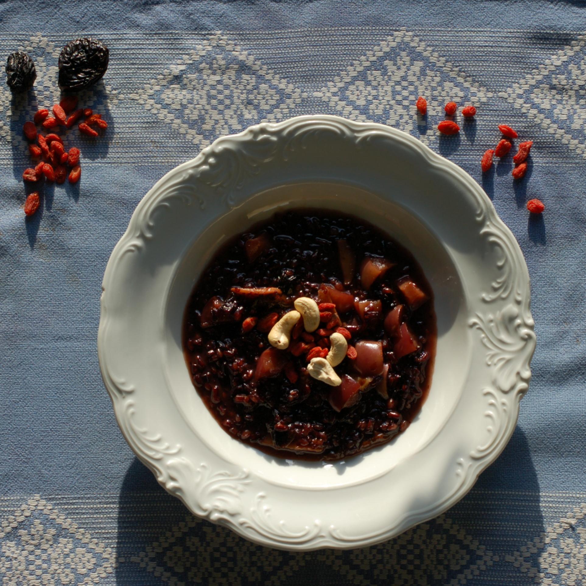 ryż słodki i czarny z jagodami goji