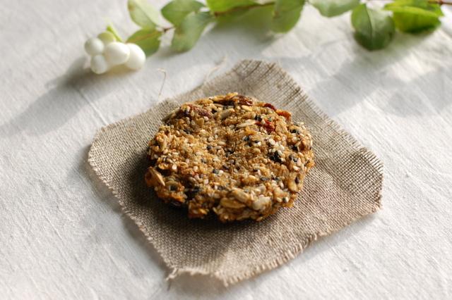 ciasteczko musli z płatków quinoa i owsianych bio
