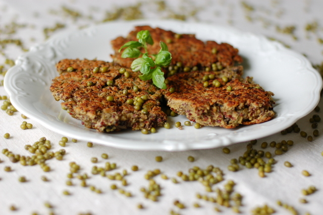 placuszki z fasoli mung i quinoa