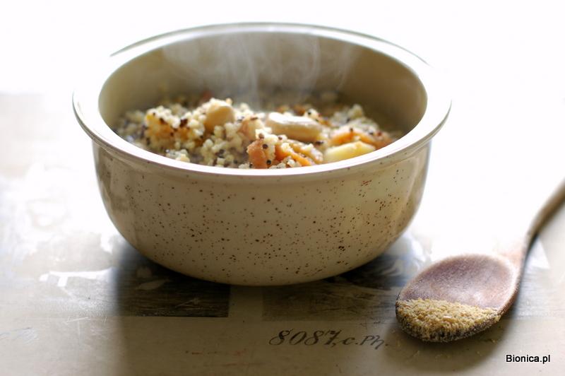 kasza jaglana z czarną quinoa i morelami suszonymi