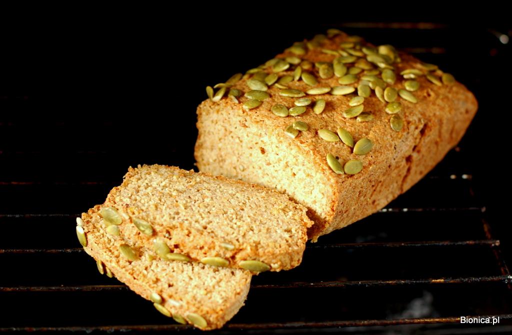 chleb  z prosa i komosy ryżowej