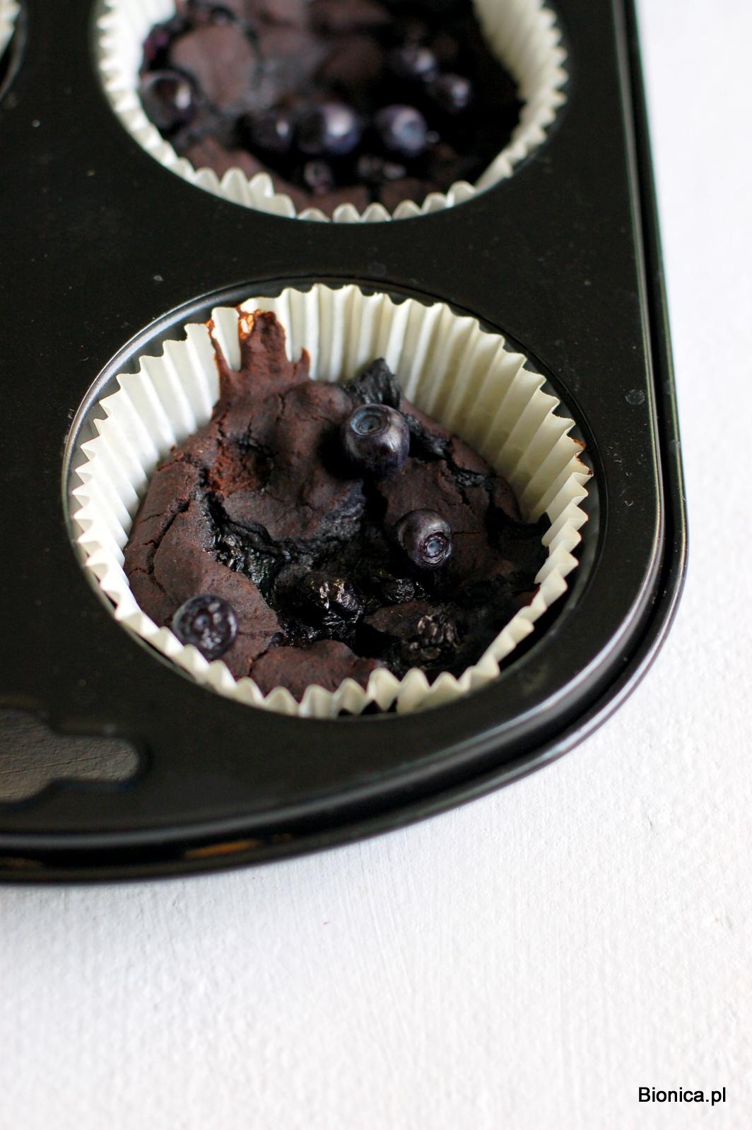 muffiny z jagodami i czarną fasolą