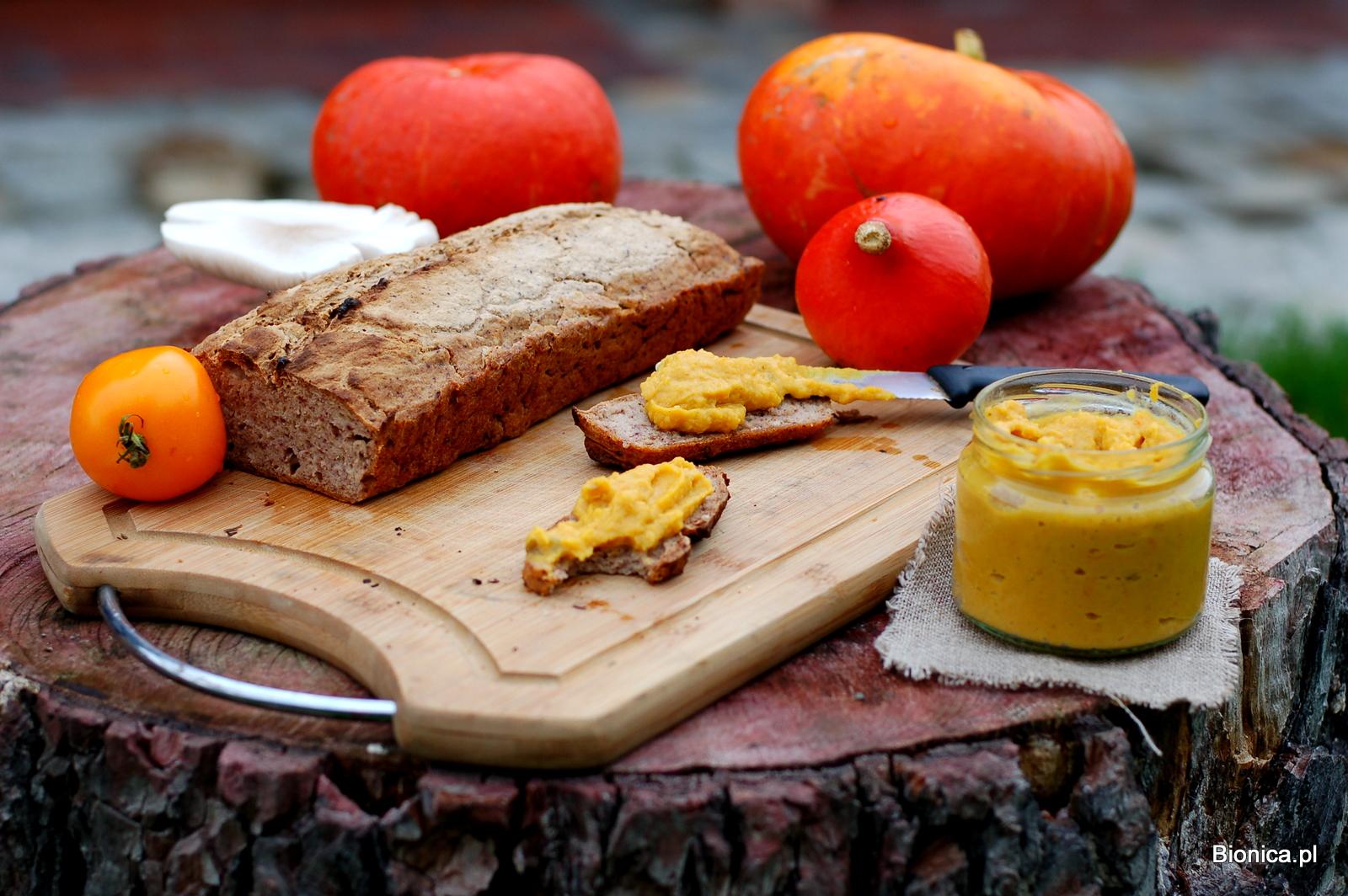 dynie, chleb Bauckof i pasta dyniowa