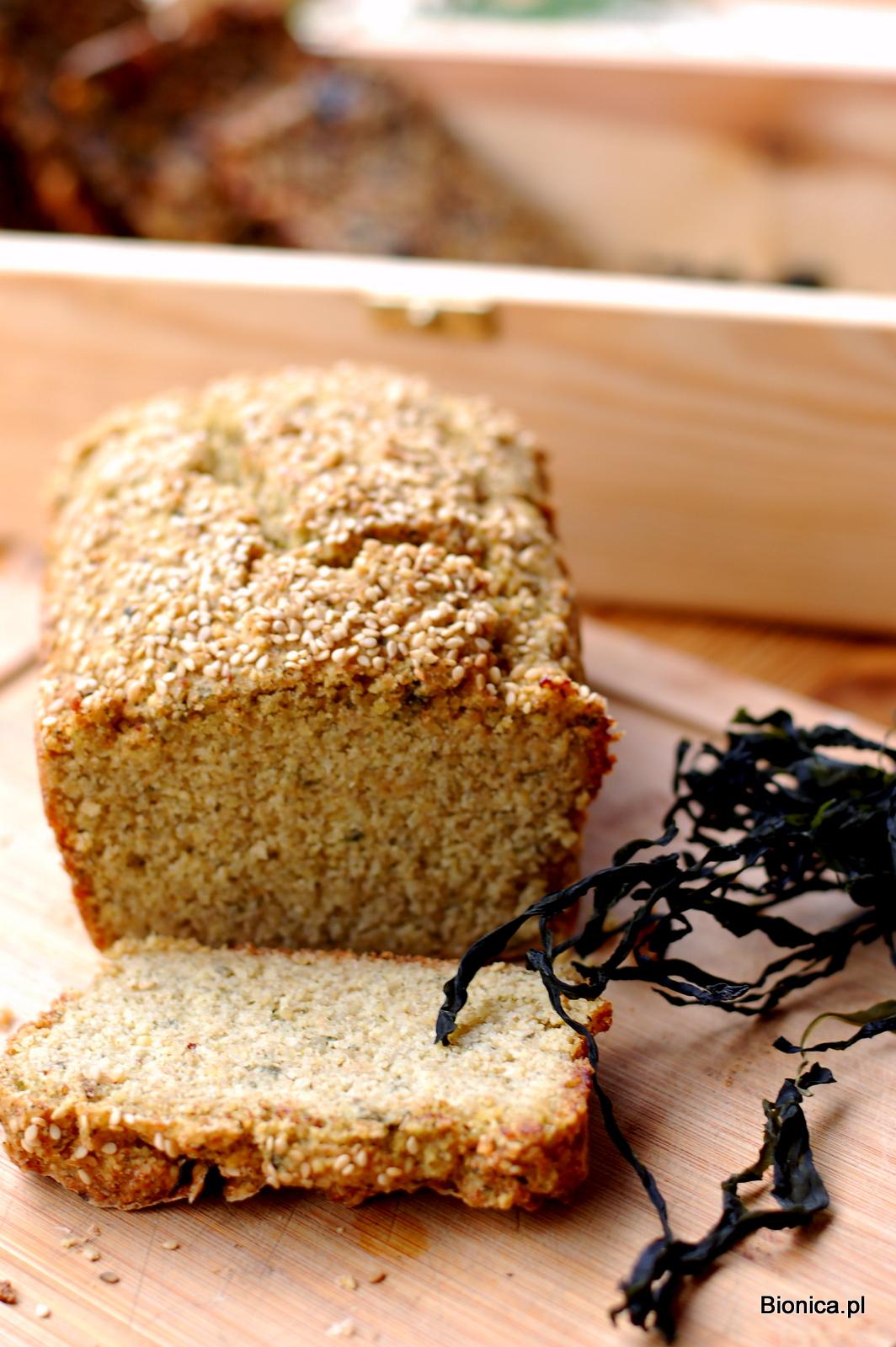 bezglutenowy chleb z kaszy jaglanej i quinoa z algami kombu